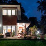 iluminar tu casa exterior